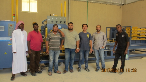 Automatic Stringer Wood Pallet Nailing Machine.Service of installation
